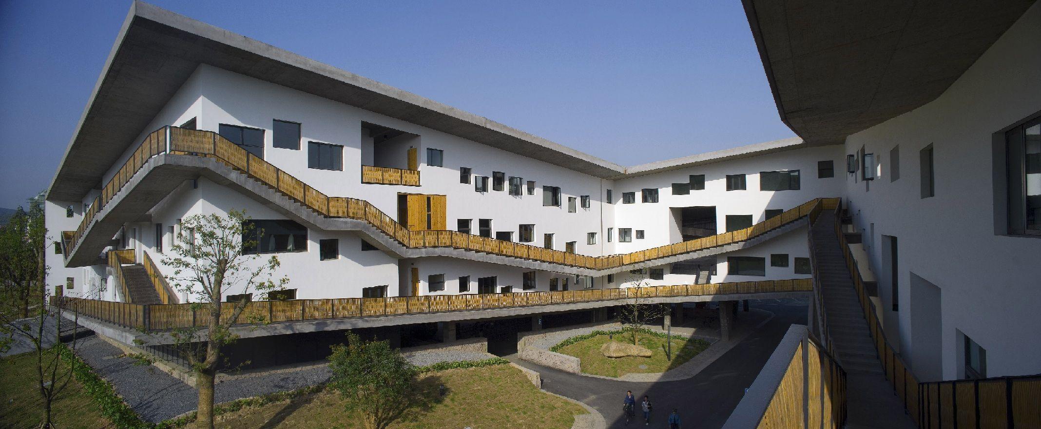 Рис.1: Кампус Китайской академии искусств