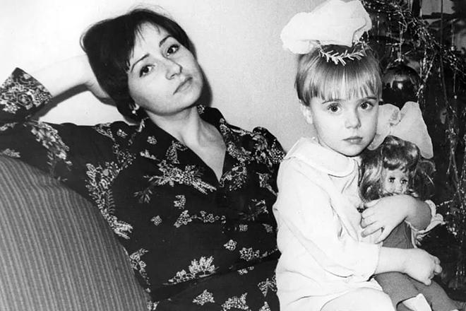 Рис. 2. Татьяна Романенко с мамой