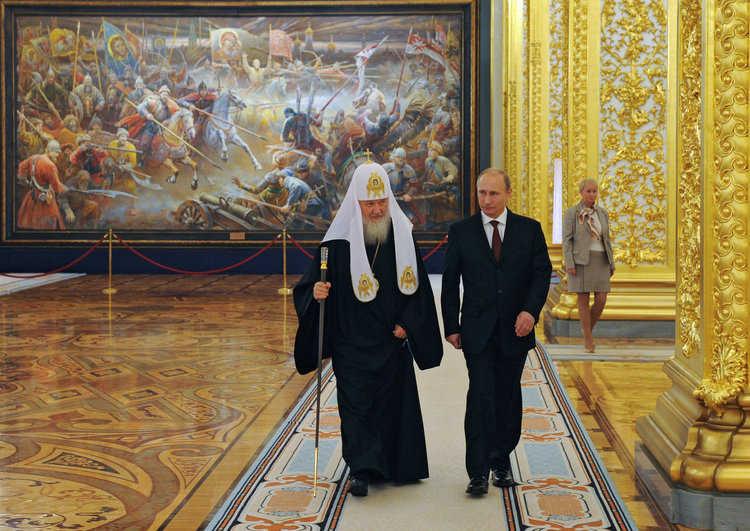 Рис. 4. Патриарх Кирилл и президент РФ В. Путин