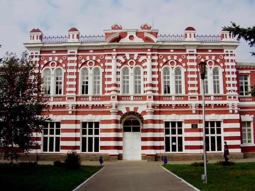 Рис.1. Школа № 1 г. Азов