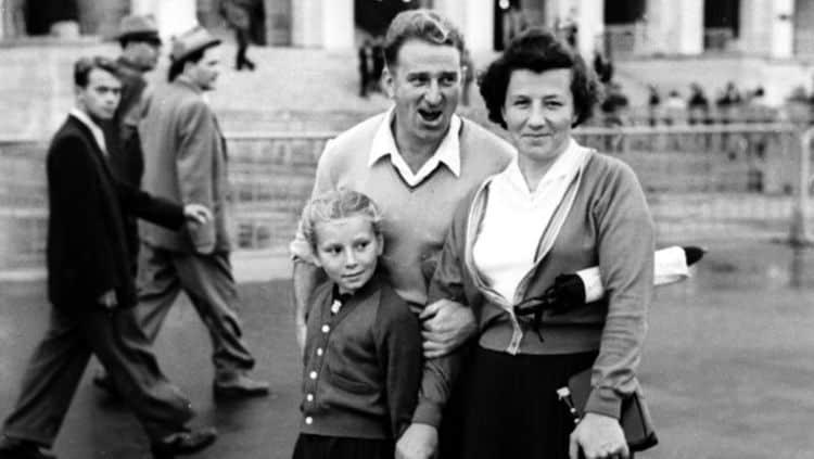Рис. 1. Т. Тарасова с родителями