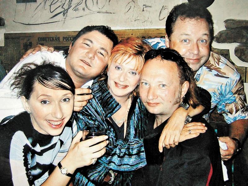 Рис. 3. Р. Дубовицкая с коллегами